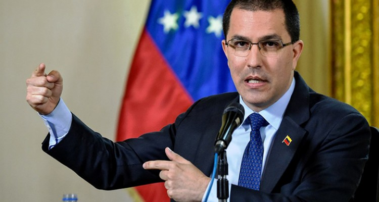 Venezuelan Minister of Foreign Affairs, Jorge Alberto Arreaza speaks during a press conference at the Ministry of Foreign Affairs, in Caracas, on January 28, 2019. Arreaza informed that delegates form the governments of Mexico and Uruguay will hand UN Secretary General Antonio Guterres, their dialogue proposals in an attempt to help solving the severe political crisis that hits Venezuela, and has left 35 dead and 850 arrested in the last week. / AFP / LUIS ROBAYO   VENEZUELA-CRISIS-ARREAZA